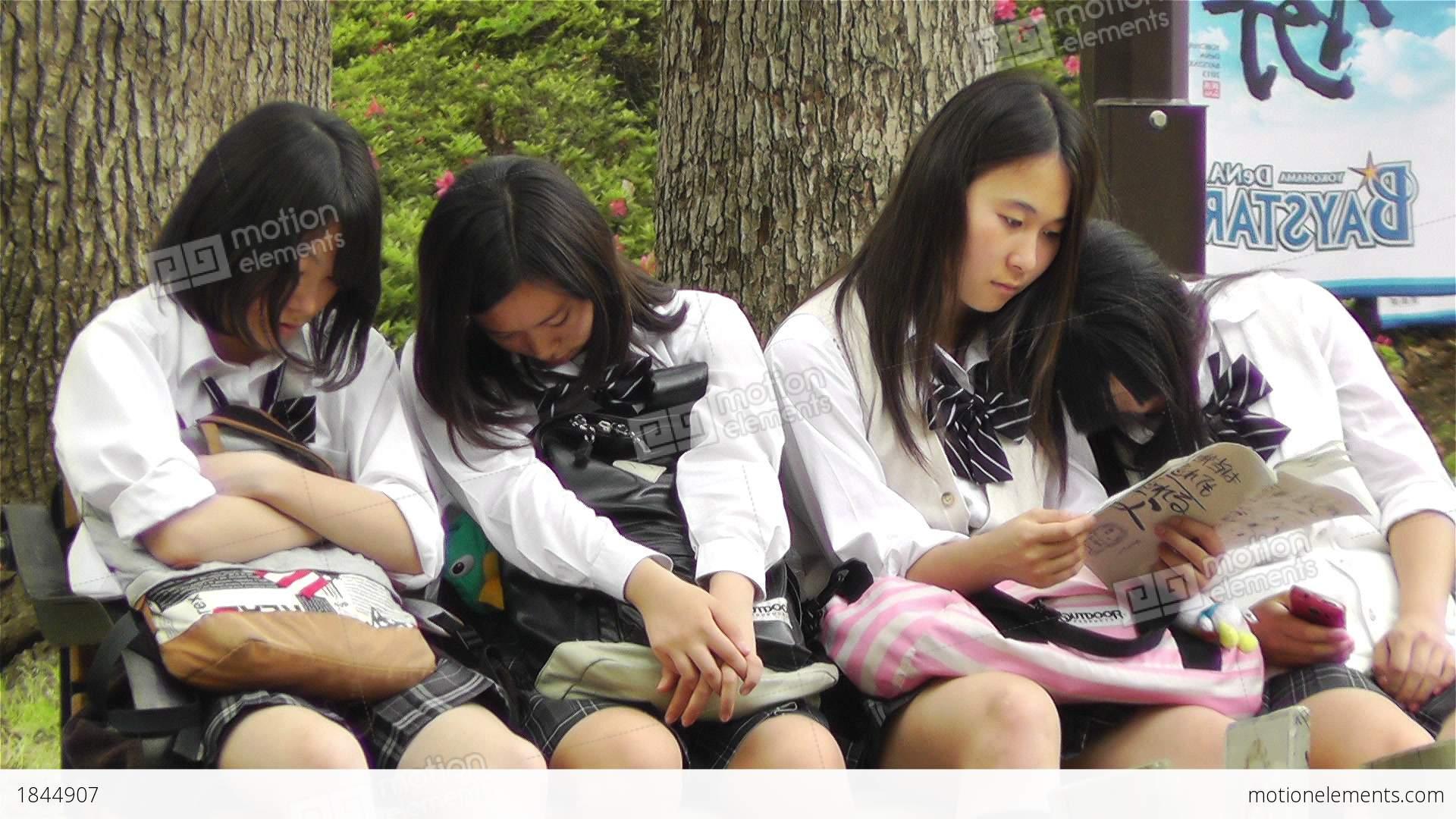 korean girls naked asses