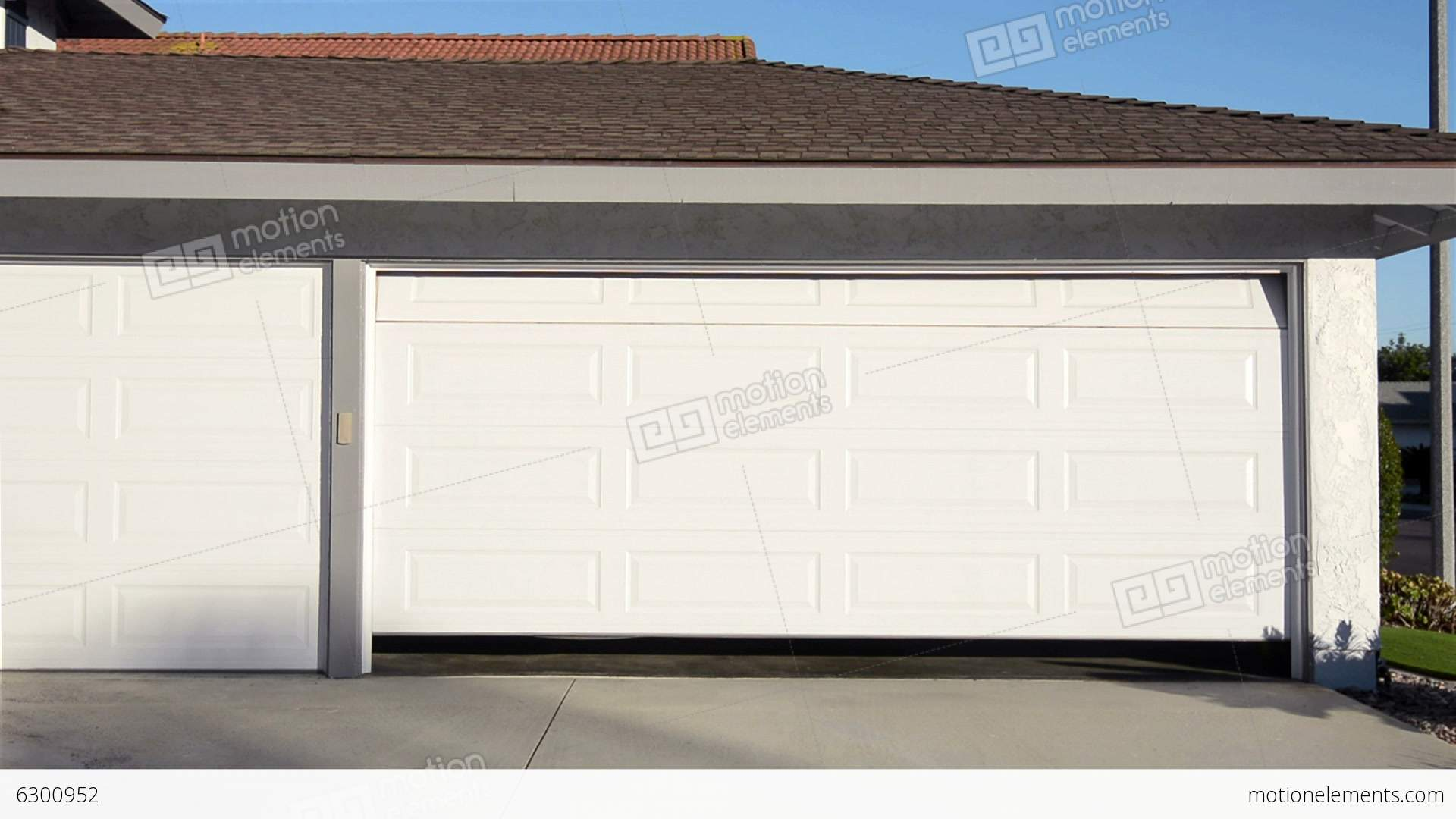 Automatic garage door openers barrie automatic garage for Door opening sound effect