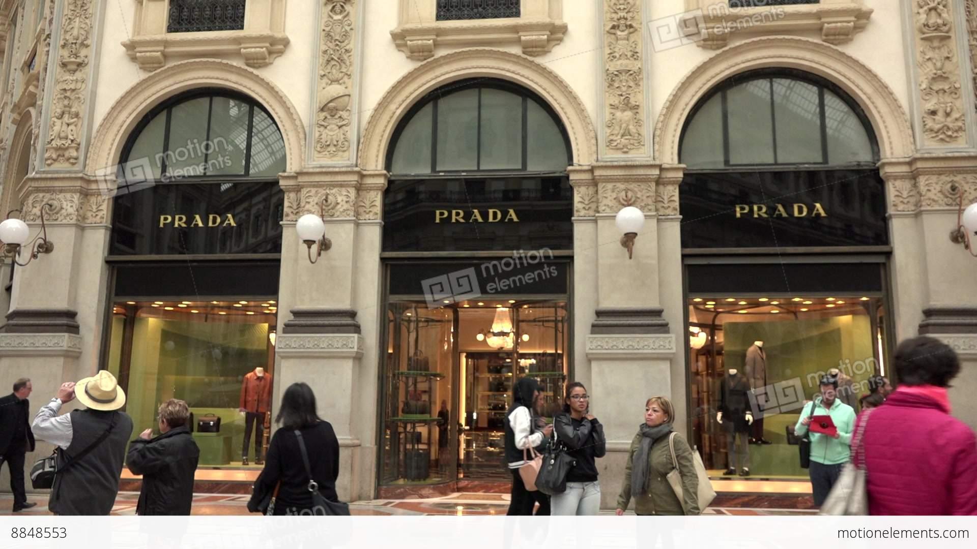 Shopping prada shop store italian fashion milan milano for Milano shop