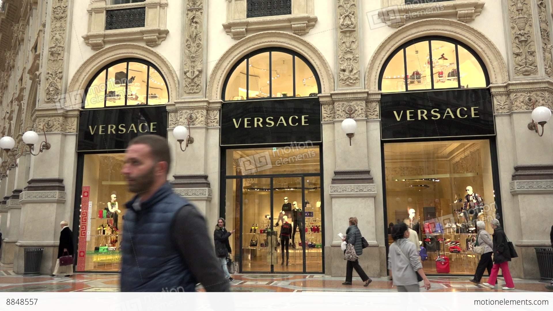 Versace shop store italian fashion shopping milan milano for Milano design shop