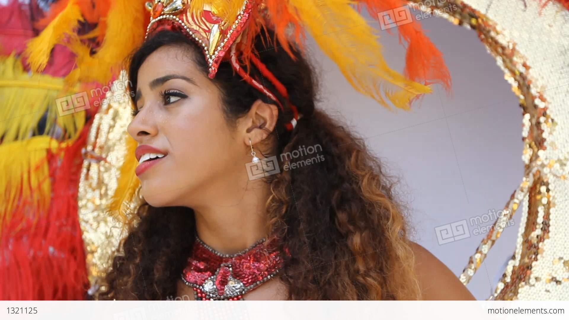 rio de janeiro single hispanic girls Meet the most beautiful brazilian women brazilian brides  international dating advice  from rio de janeiro, .