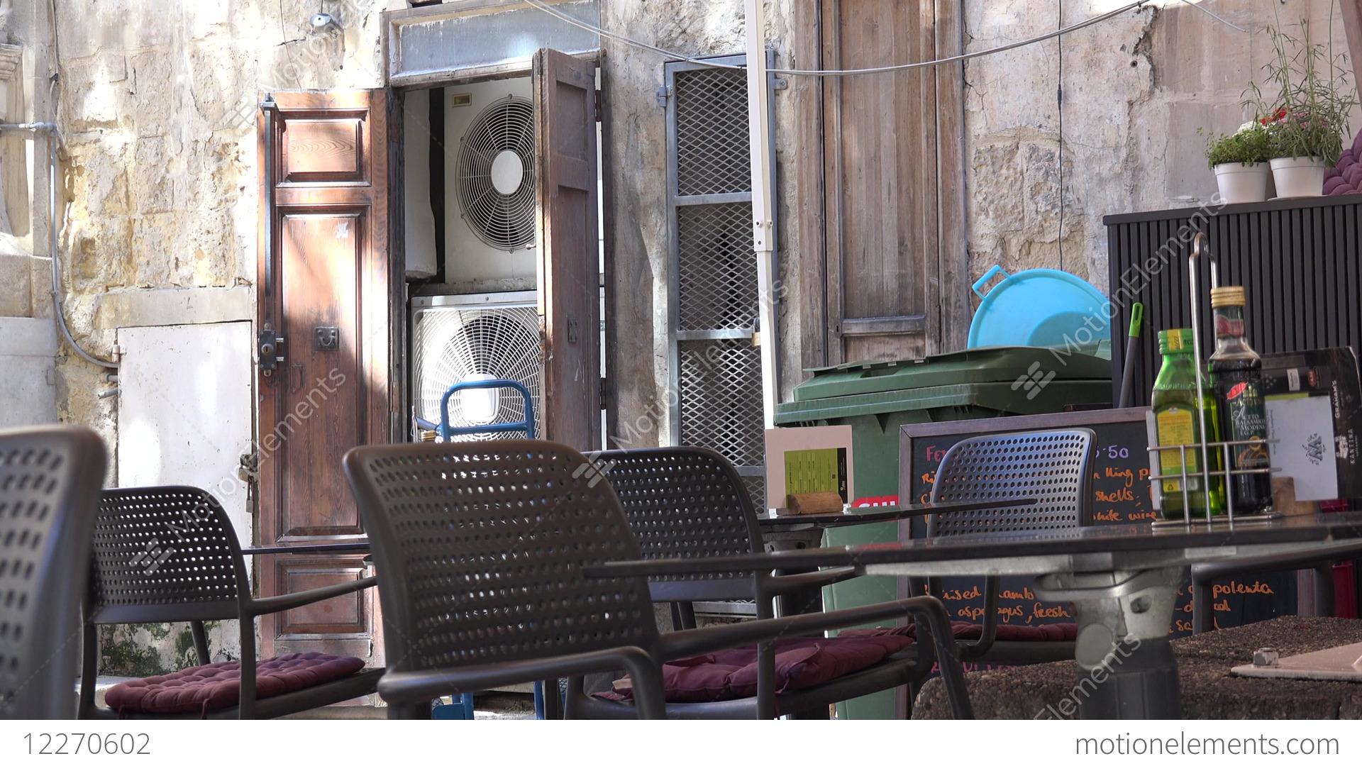 Malta valletta sitting furniture and air condition of
