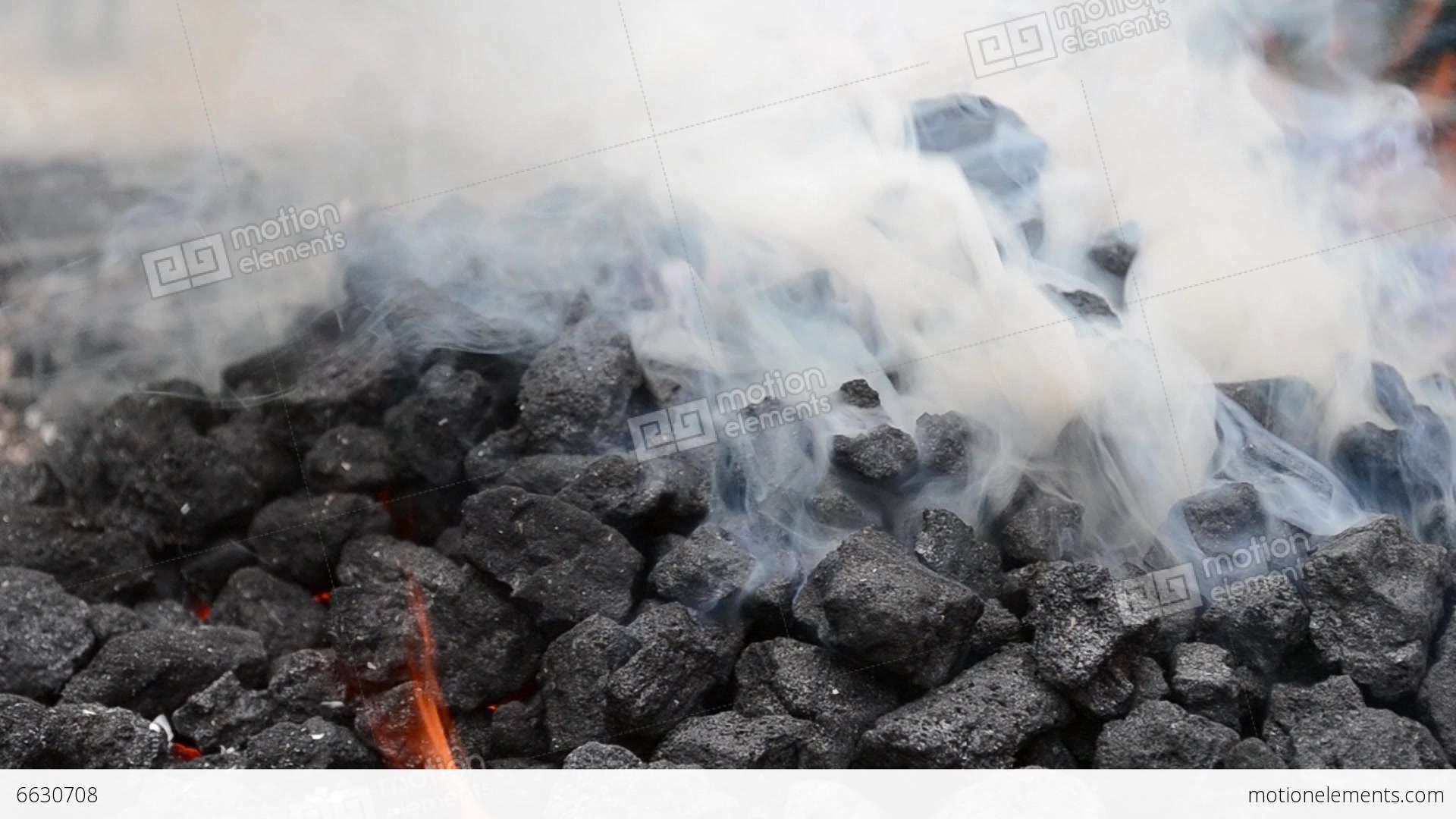Reitet seltsamen Kohlebrenner Video schwarz weiß zum ersten