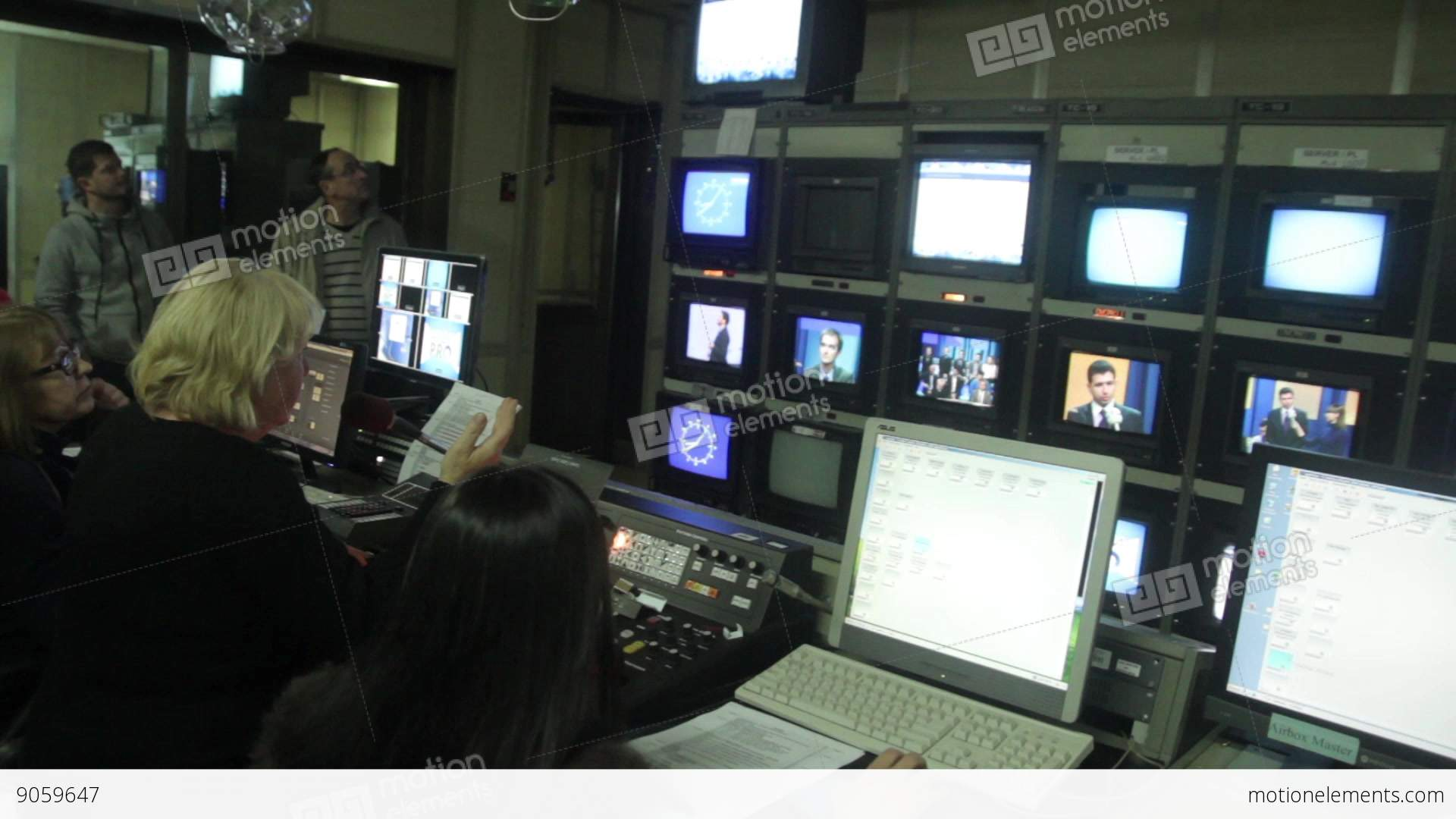 Stupendous The Control Room On Air Live During The Recording Of Tv Broadcasts Largest Home Design Picture Inspirations Pitcheantrous