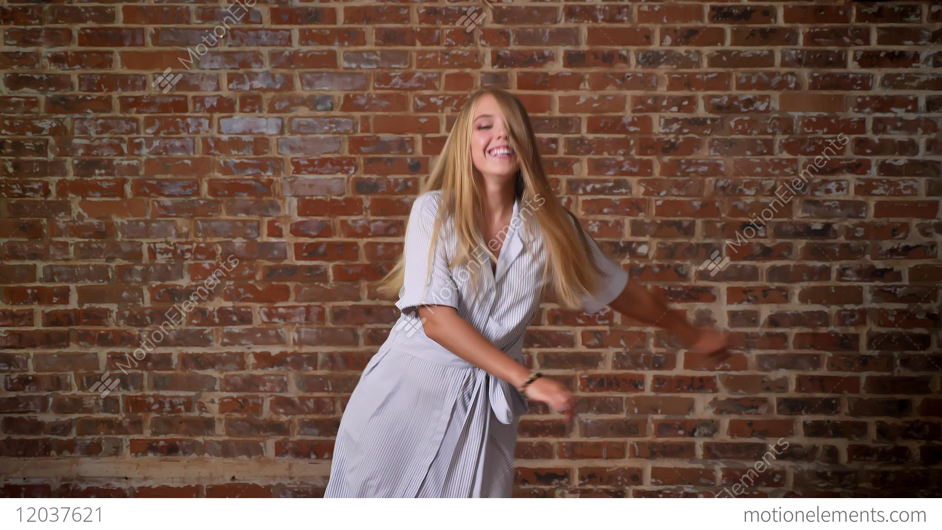 Gorgeous Blonde Cam Girl