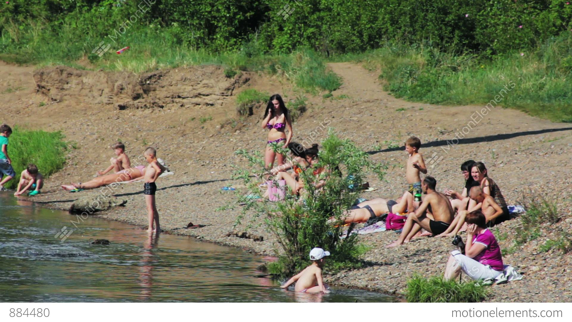 Люди на пляже фото дикий пляж