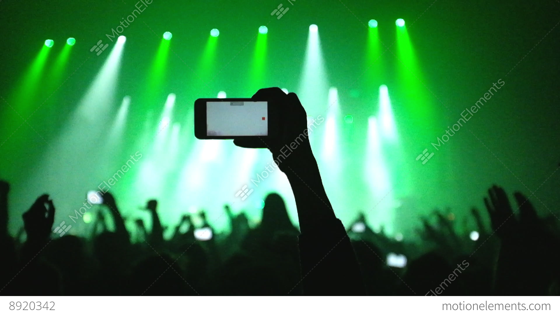 how to hold phone for video