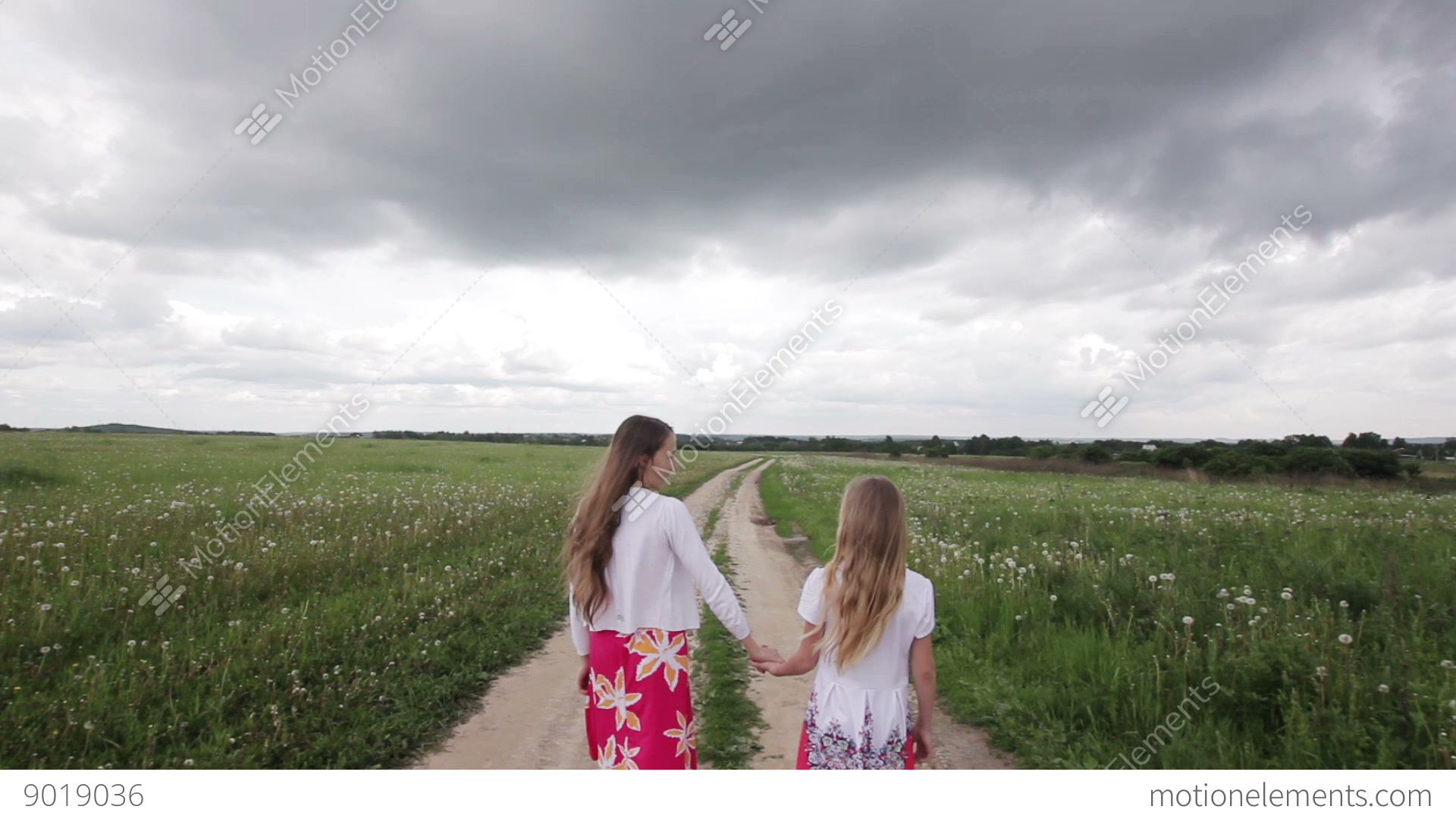 Walking Girls Hd