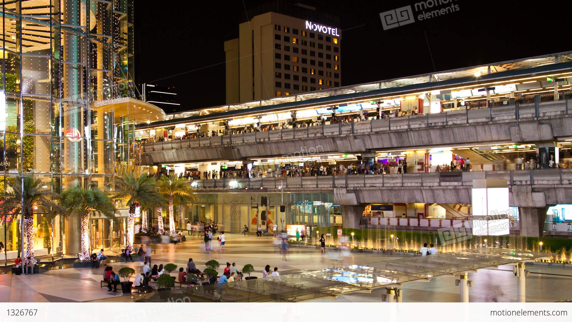 Zooming Timelapse - Siam Paragon And Siam Bts Station -6795