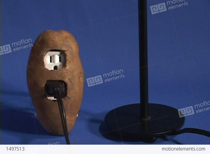 How To Light Up A Light Bulb With A Potato 7