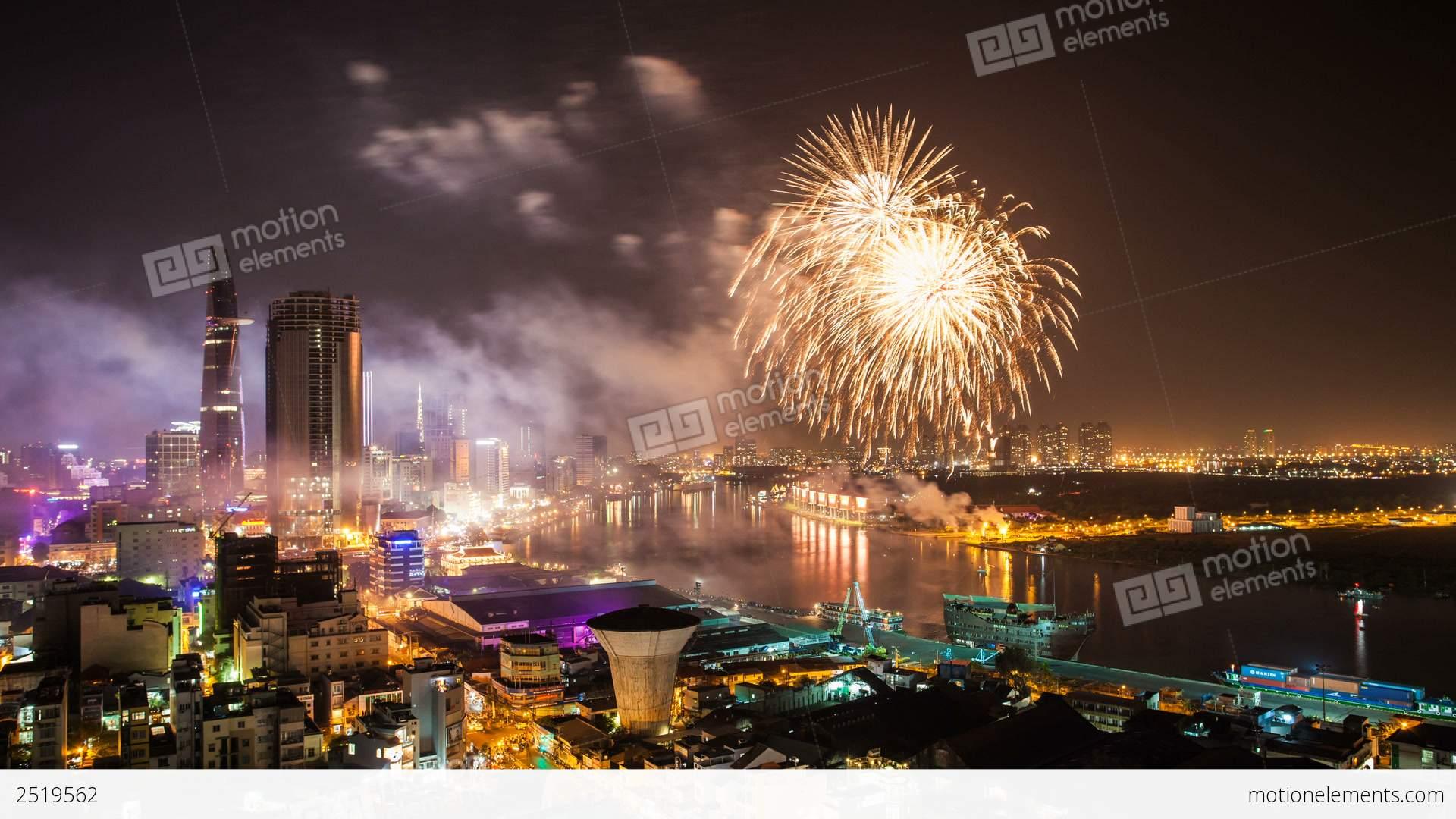 1080 - TET - CHINESE NEW YEAR FIREWORKS - HO CHI M 影片素材 ...