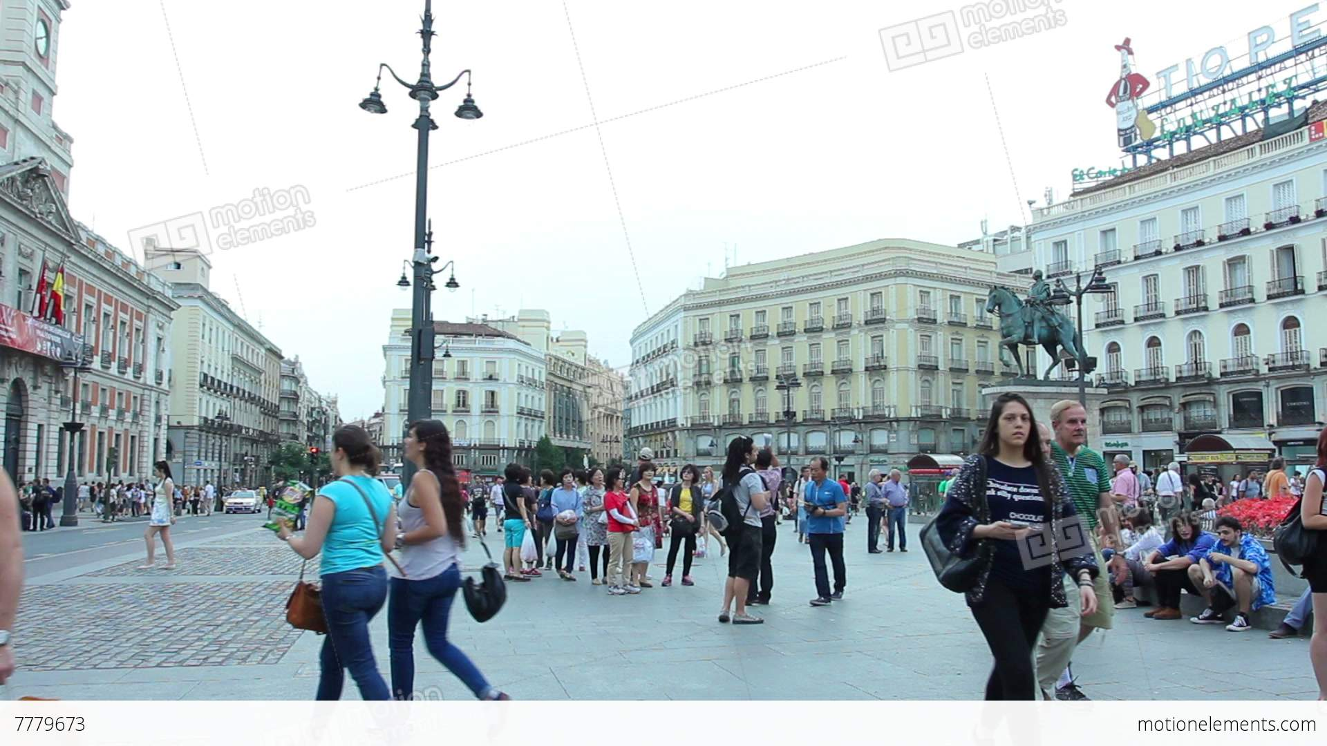 Madrid spain 15 may the puerta del sol madrid one of for Puerta del sol 9 madrid