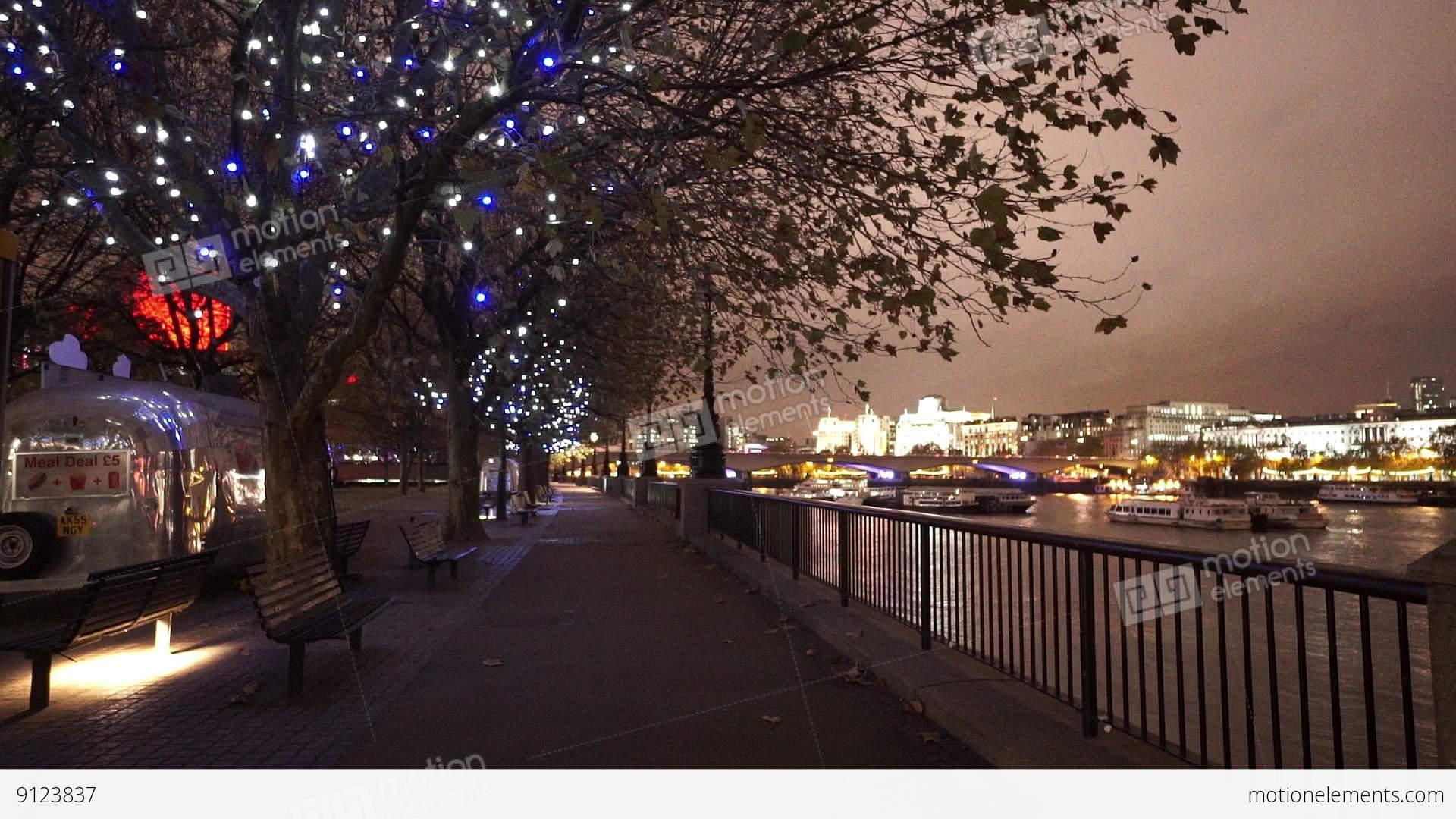 Night lights queens walk london - London South Bank By Night The Queens Walk By Night Stock Video